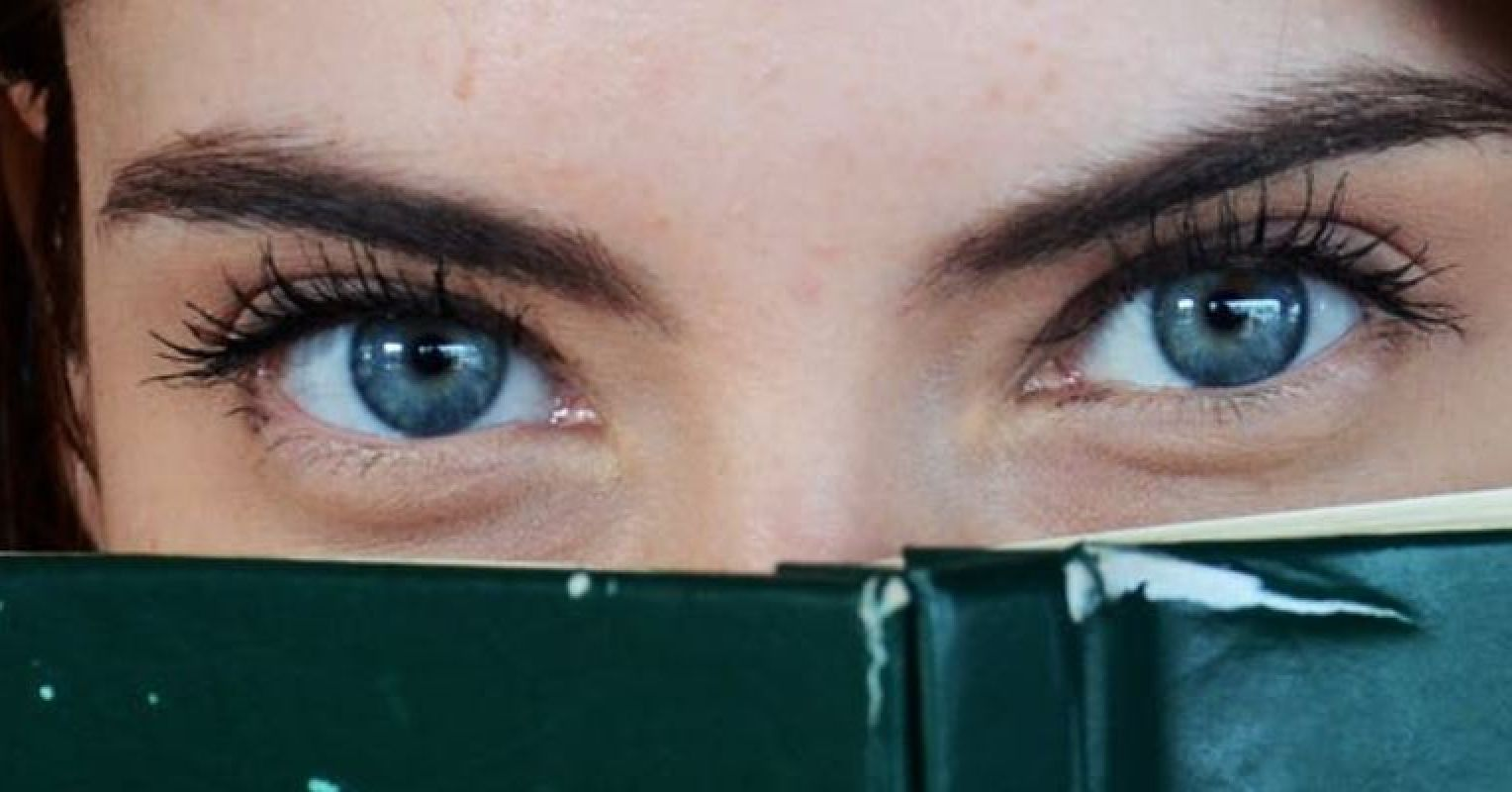 Eyebrow the why do guys flash do Crazy Subconscious
