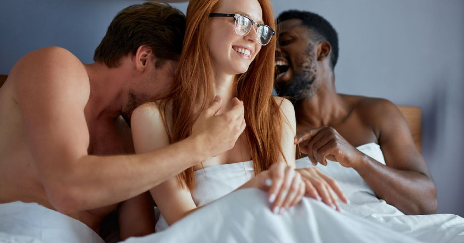 Pics threesome Free Porn