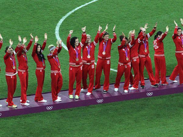 Canada's women's soccer team turns around to win bronze