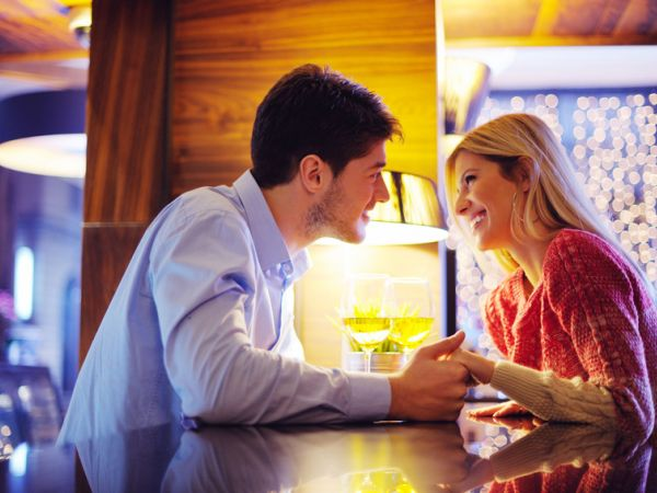 Dating Do's & Don'ts From Six Therapists