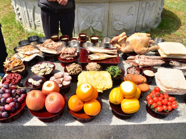Foods for Korean traditional rites on the table for remembering ancestors