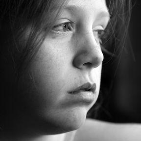 sad child photo