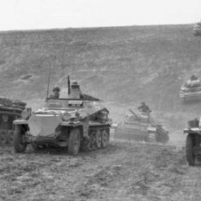 German armed forces, June 1942 – cropped, otherwise unaltered.